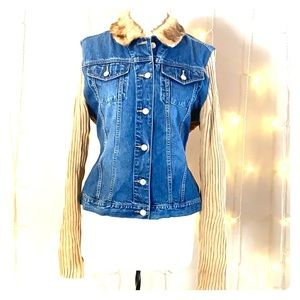 Juniors jean and knit jacket with fur collar